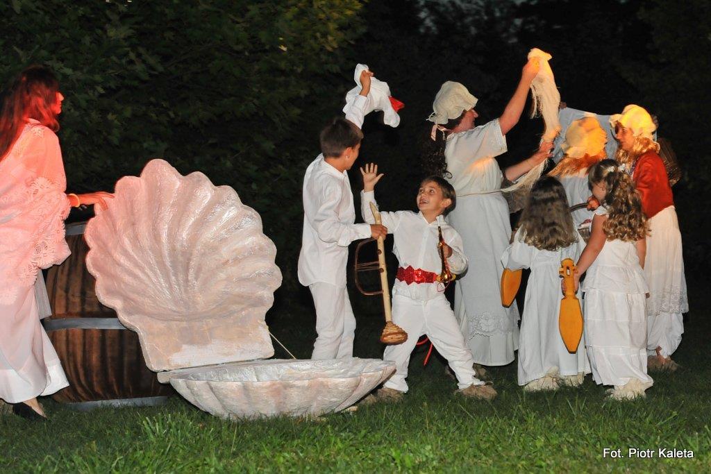 images/galleries/imprezy/2016/teatr_kasztelanski_busko/12